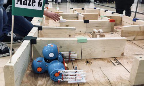 robot going through maze
